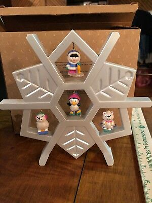 Avon Wee Winter Friends Snowflake Display Stand with 4 Mini Ornaments-In Box