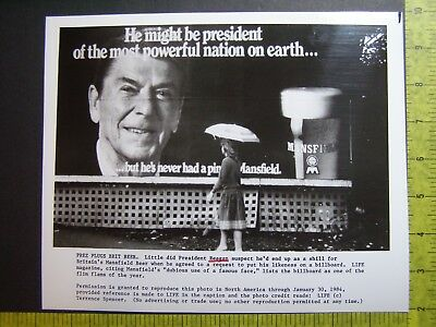 Glossy Press Photo President Ronald Reagan Britain's Mansfield Beer Billboard