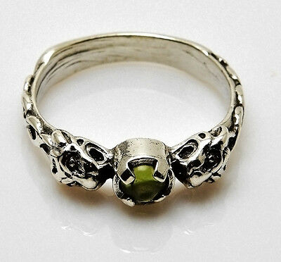 Lion Ring .925 Sterling Silver  Sz 7 w/ Natural Peridot Medieval LION Goddess