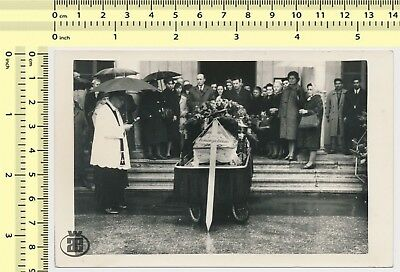 #099 1960s Mourning People Funeral Rain Umbrella vintage original photo snapshot
