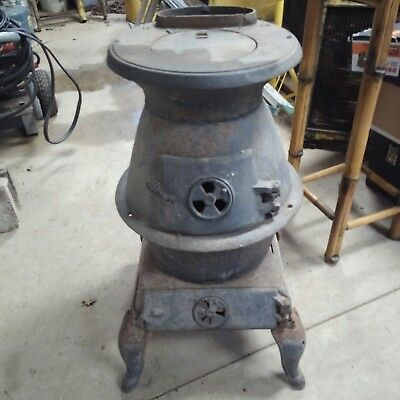 Antique Brown Stove Works No. 46 Cast Iron Pot Belly Cleveland Tenn