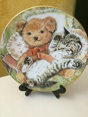 Bedtime Buddies Kitten Encounters Cat Plate Hamilton Collection Royal Worcester