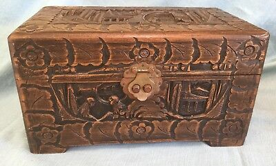 VINTAGE CHINESE CARVED CAMPHOR WOOD BOX CHEST DESIGN FIGURES PAGODA JEWELRY 11x7