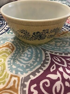 "VINTAGE PYREX  1 1/2 Quart ""Homestead"" Nesting Mixing  Bowl #402"