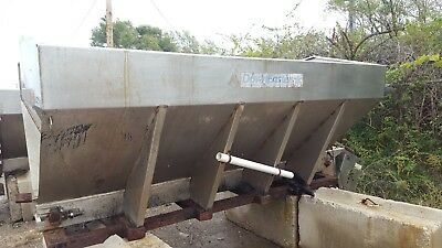Downeaster Stainless Bulk Salt Spreader V Box Sand Spreader