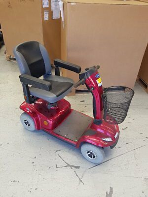 Leo Invacare 4 wheel scooter, Mobility scooter, medium size. Electric scooter