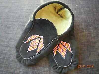 Moccasins Native American 9.5 Inches Black Moose Hide Leather Hand Crafted Wow