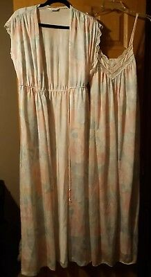 Vtg VANITY FAIR Set Gown Robe Nightgown Negligee Nylon Floral Lace Pink Sz S