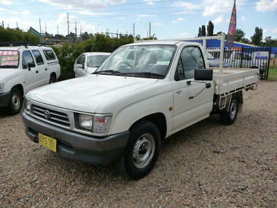 1998 Toyota Hilux 2WD Workmate 2.7 efi 4cyl 5spd Manual Tidy Country Ute low kms