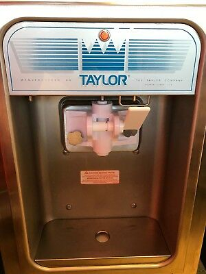 Soft-serve ice cream/frozen yogurt machine Taylor-152