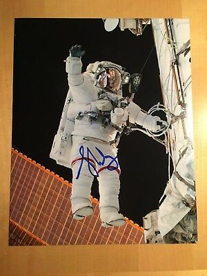 *SIGNED* 8x10 w/ 100% SPOT ON PROOF NASA ENDURANCE Astronaut Scott Kelly #1
