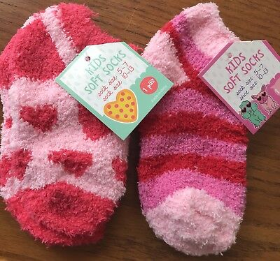 Girls 2- Pairs Of Super Soft Socks NWT  Sock Size 5-7  Shoe Size 10-13