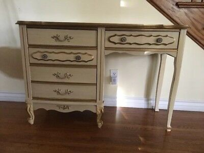 Vintage French Provincial Shabby Chic Desk/makeup ( Pick Up Only )