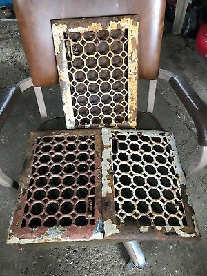 OLD VTG ANTIQUE CAST IRON FLOOR GRATES GOTHIC HEATING VENT METAL REGISTER Lot 3