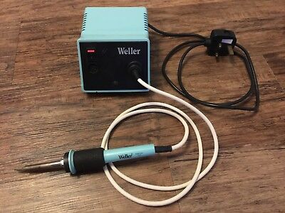 Weller PS3D Soldering Station With Weller Soldering Iron