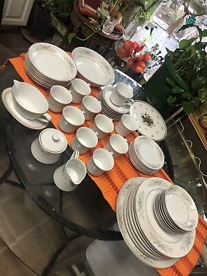 Carlton Fine China Sarasota Dining Set