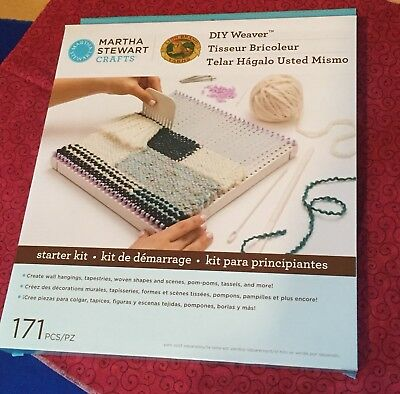 Martha Stewart DIY Weaver 171 Piece Starter Kit - Weaving Board Craft Lion Brand