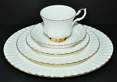 Royal Albert Val D'or 5 Pc Place Setting Plates & Tea Cup Saucer Ivory Gold Mint