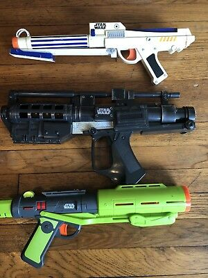 Star Wars Storm Trooper Blaster Nerf Gun Lot Of 2 Great working Condition W/Ammo