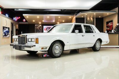 1989 Lincoln Town Car  Town Car! Only 5,950 Actual Miles, # Matching 5.0 V8, Automatic, 2 Owner, Loaded