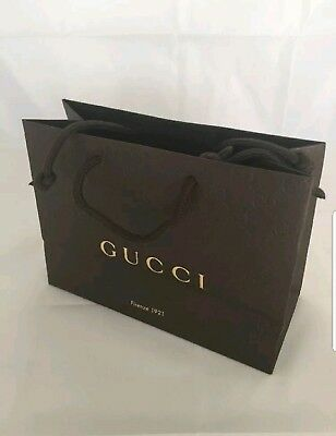 c674d4a4fa47 New Authentic GUCCI Embossed Paper Small Shopping Bag 9