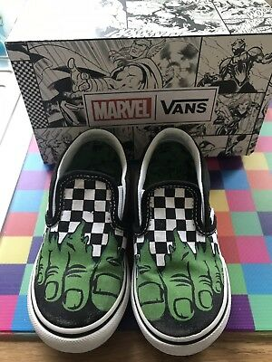 5a335a93d132 Kids Unisex Vans Marvel Classic Slip On Black Canvas Hulk Feet Trainers  Size 10.