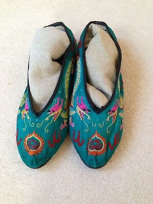 Antique Vintage cChinese Silk Embroidered Dragon Shoes Slippers Uk 6 / 6.5
