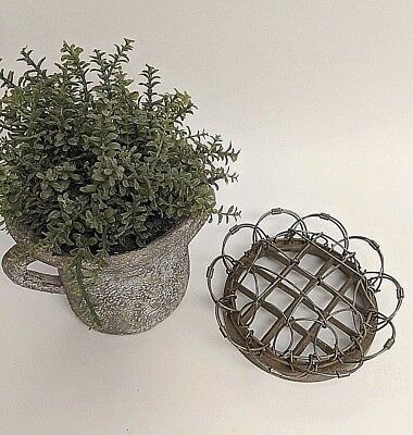 """Vintage Frog Metal Scalloped Loop Wire Cage Floral Frog 5"""" x 2 1/2"""" High"""