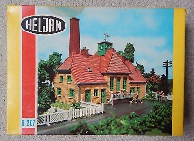 Ho Scale~Heljan Dairy B207 Kit~Complete**~Hard To Find~Farm, Milk, Shed, Country