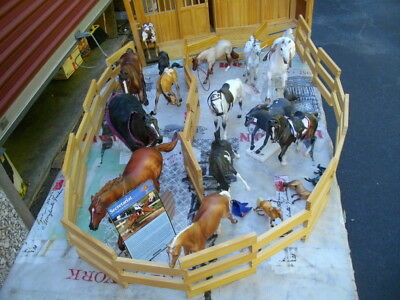 Breyer Wood Horse Stable/Large w/Corral & 20 Horses 1 Schleich * VGC *All Sizes