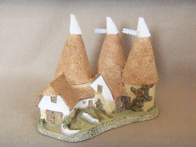 David Winter Cottages 1981 TRIPLE OAST w/Box Decorative Collectible