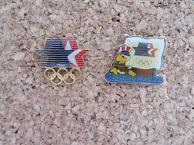 Los Angeles 2 Pin's 1984 Pageantry World Et Etoiles Usa