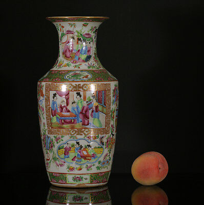 A BEAUTIFUL antique CHINESE PORCELAIN FAMILLE ROSE CANTONESE VASE FIGURES 19TH 2