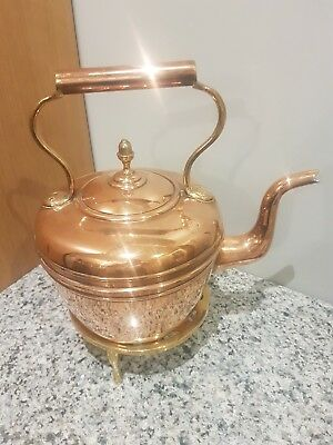 Vintage Copper Kettle With Acorn Finial And Brass Trivet