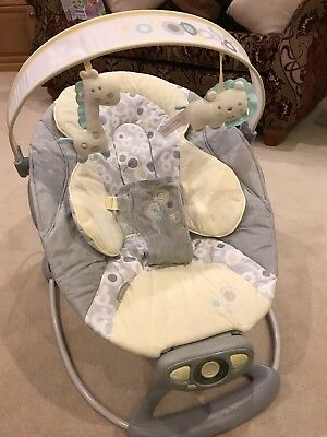 Bright Starts Ingenuity Musical Automatic Baby Bouncer. Excellent Condition