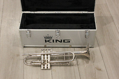 King 1117 Ultimate Series Marching Trumpet W/ Case