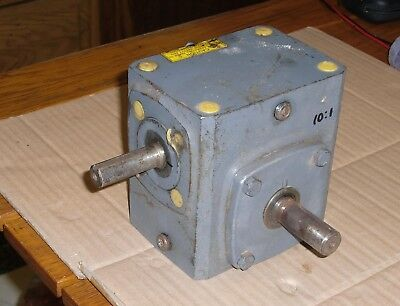 Boston Gear 300 Series Reductor 90,10:1 Ratio,1/2 hp,shaft drive,speed gearbox
