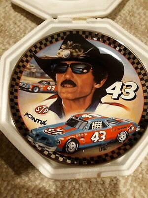 Franklin Mint Ol '43 Richard Petty Heirloom Collector Plate W/COA and Stand
