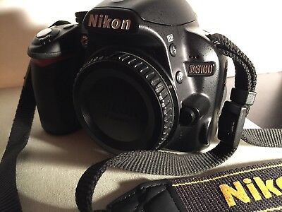 NIKON D3100 14.2MP Digital SLR CAMERA Black+AF-S DX VR +18-55mm Lens+Accessories