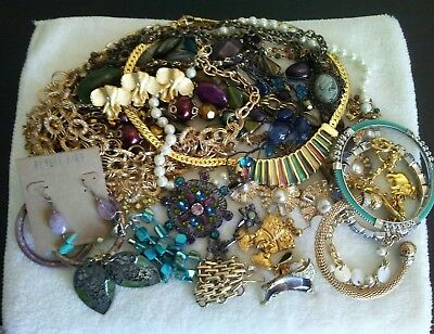 Lot 670... NICE..UNSEARCHED, UNTESTED  ALL WEARABLE JEWELRY LOT.