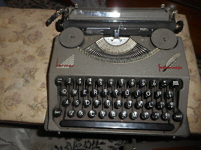 vtg rare Hermes featherlight typewriter with metal case