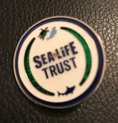 Merlin Sea Life Trust Pin Badge Alton Towers Thorpe Park