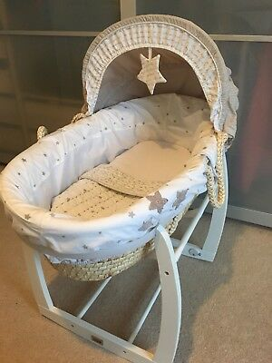 mamas and papas Moses basket And Stand And Sheets