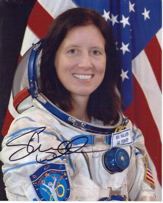 Shannon Walker Rare Nasa Astronaut Signed 8X10 Photo With Coa