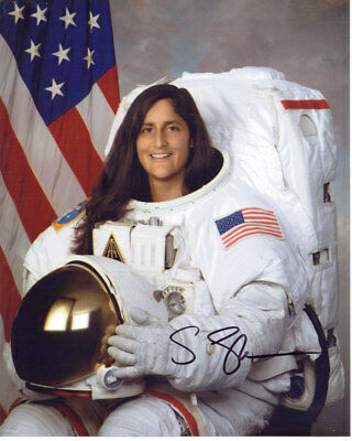 Sunita Williams Nasa Astronaut Signed 8X10 Photo With Coa