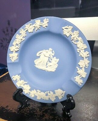 Wedgewood Jasperware Small Blue Round Collectors Plate