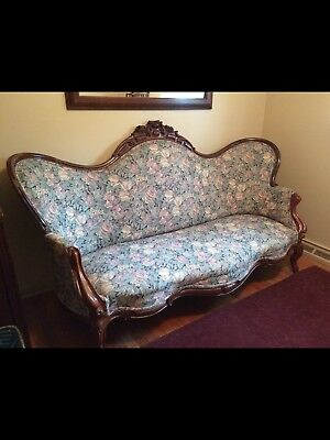 American Antique Victorian  Rosewood Sofa Couch