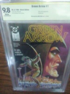 Green Arrow 1 Mike Grell CBCS signed CGC 9.8 highest graded signed