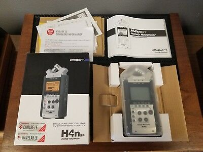 Zoom h4 handy audio 4 track recorder + 4gb card, ps, manual, boxed.