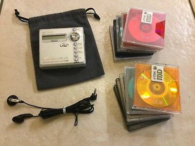 Sony Walkman personal minidisc player bundle. Model  MZ-N707.
